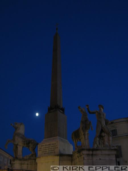 Moonrise near the Piazza del Quirinale