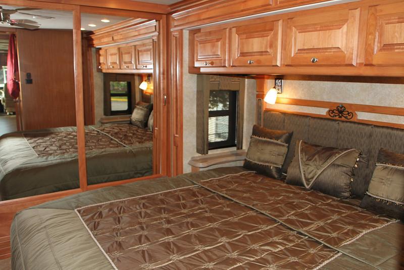 King size, sleep number air adjustable bed, with storage underneath.
