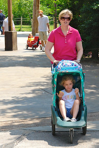 Maggie preferred transportation at the zoo