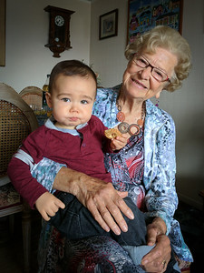 Meeting great grandma Ines!