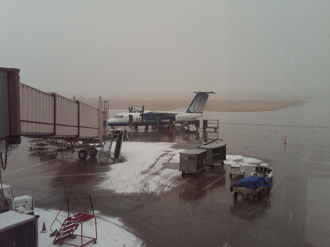 Snowy weather in Colorado Springs made a mess of flights.  Elizabeth ended up getting on the flight back to Chicago buy I had to stick around and wait for the next one.