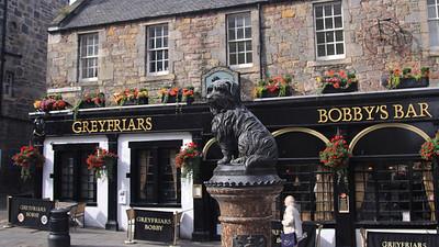 Greyfriar's Bobby Statue