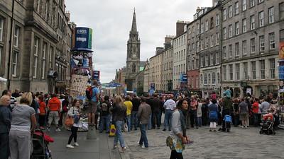 Street entertainers, Edinburgh, Scotland