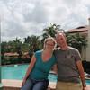 Ekteparet på tur, her ved poolen ved Biltmore Hotel ved Miami.