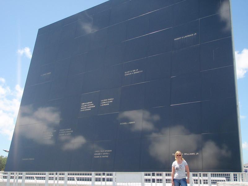 Minnevegg over de som har mistet livet i NASAs tjeneste.
