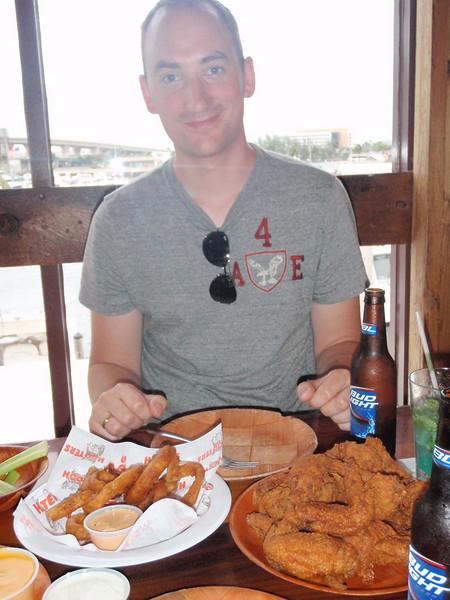 Vi måtte selvfølgelig spise på Hooters, som er berømte for sine gode kyllingvinger ;)