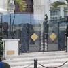 Akkurat her, utenfor huset sitt på Miami Beach, ble moteguruen Gianni Versace drept i 1997.
