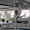 Vår særdeles morsomme guide om bord på Jungle Queen.