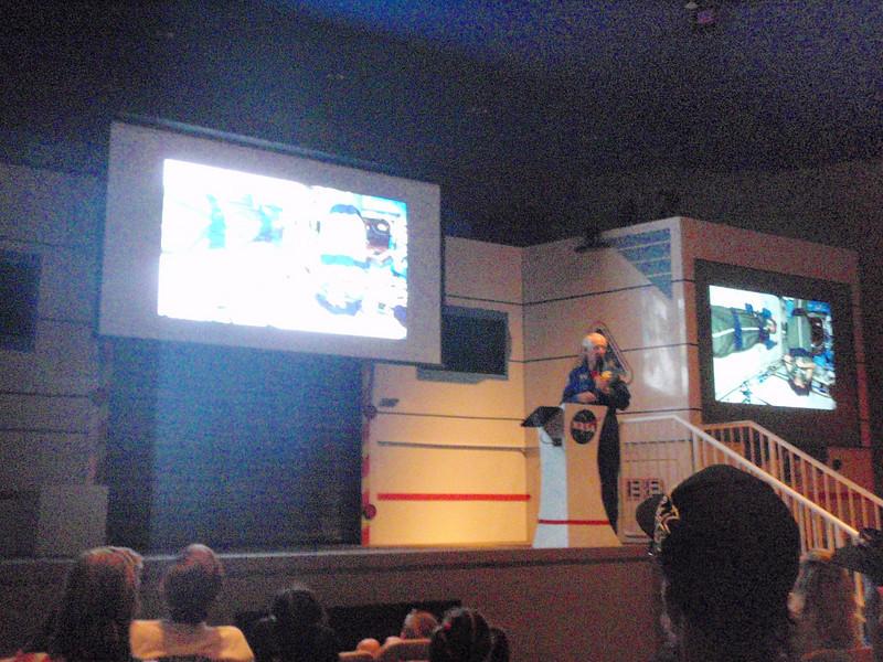 """Foredrag av en pensjonert astronaut - ganske artig! Mannen het Bob Springer - <a href=""""http://en.wikipedia.org/wiki/Bob_Springer"""">http://en.wikipedia.org/wiki/Bob_Springer</a>"""