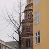 Et lite blinkskudd av tårnet til Vor Frelsers Kirke... :)