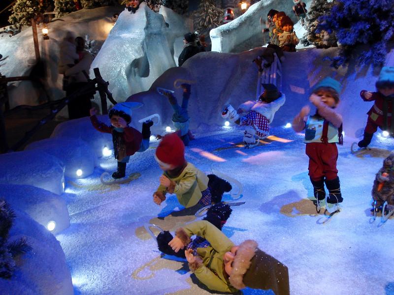 Nissedverger i full aktivitet i Tivoli.