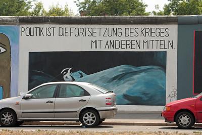2011 06 05_Berlin Wall Grafiti_3218_edited-1