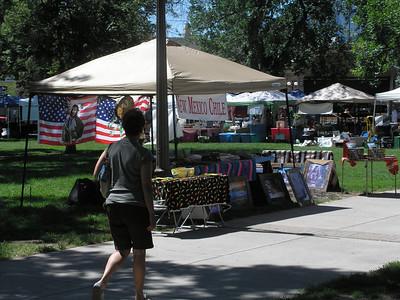 Farmers' Market and crafts in Colorado Springs park