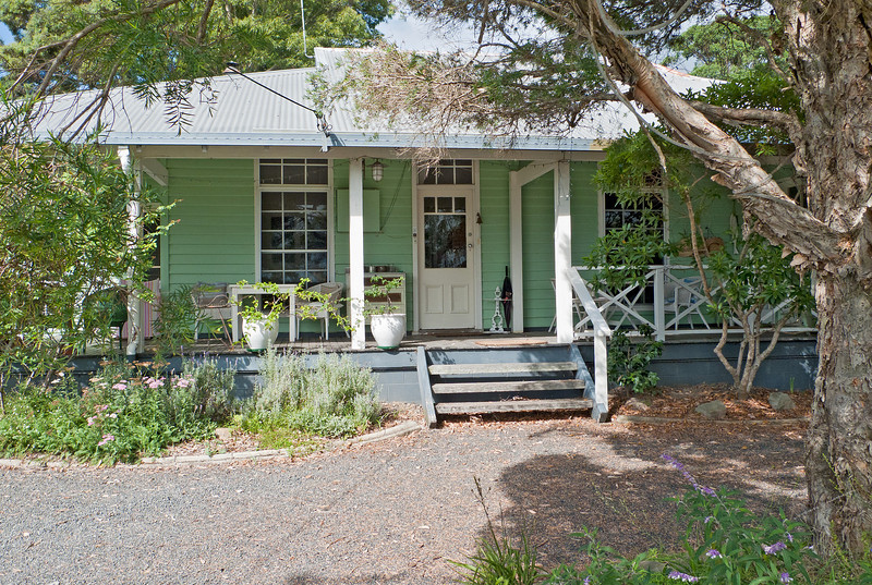 Huskisson Bed and Breakfast, an older and unpretentious home with delightful hosts and excellent continental breakfasts.
