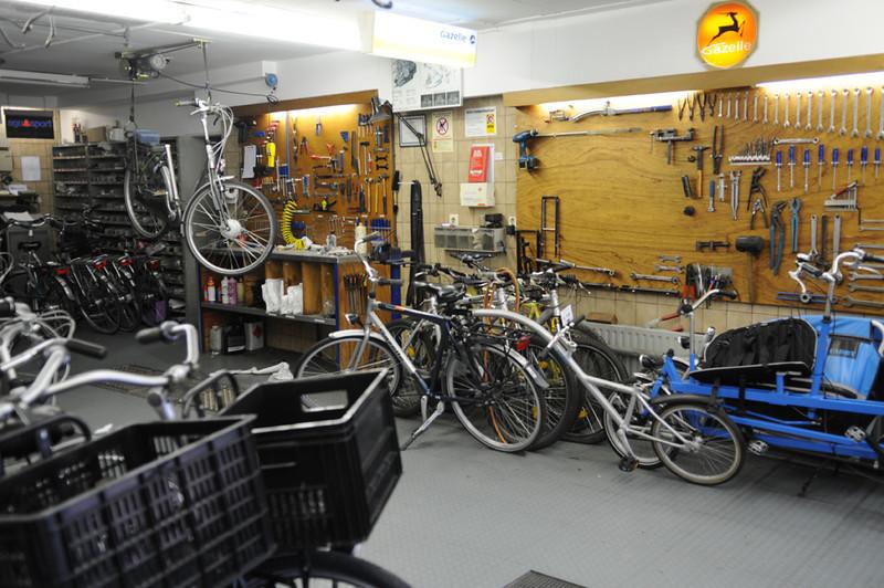 Bike shop in De Koog.