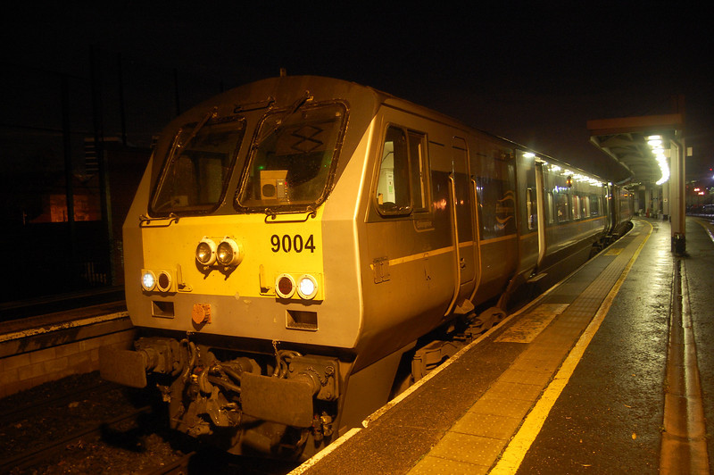 9004 in charge of the 1810 Belfast Central/Dublin Connolly 031111