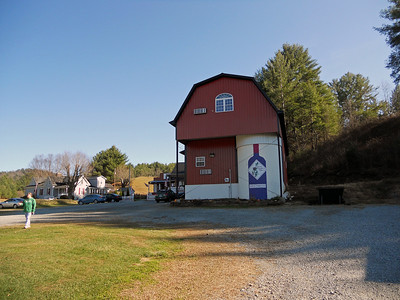 The Thistle Meadow Winery, one of our detours off the parkway.