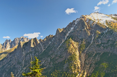 The mountains to the east of Washington Pass