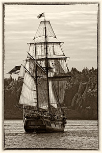 Vintage Monochrome of the Hawaiian Chieftain - would make a great postcard.