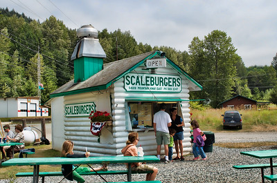 Scaleburgers in Elbe - a traditional stop on the way to Mt Rainier.  Great hamburgers!