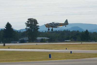 SNJ-4 - landing approach.