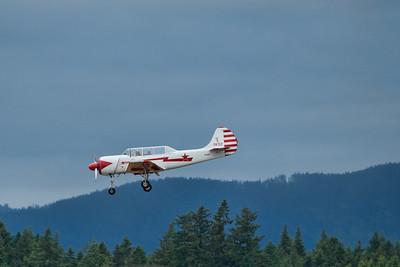 YAK-18 - Russian Trainer landing approach.
