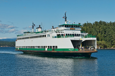 Washington State Ferry - the Sealth arrives Friday Harbor, WA