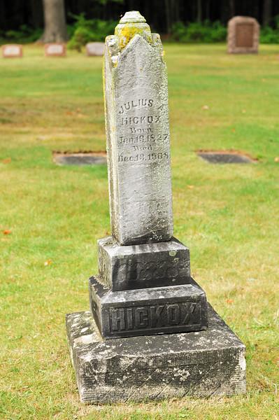 blossomberg-cemetery-5375