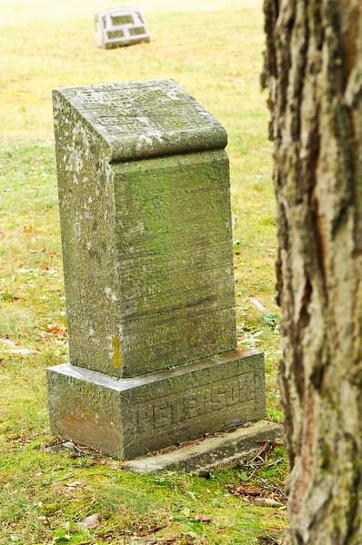 blossomberg-cemetery-5359