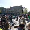 Ved vår favoritt-frokostplass (Max?) ved Max Euweplein og Hard Rock Café. Her spiller folk av ymse slag sjakk på gatenivå.