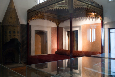 They called this the throne room, but they had a bed inside.