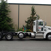 Peterbilt 386 w-tag axle side rt