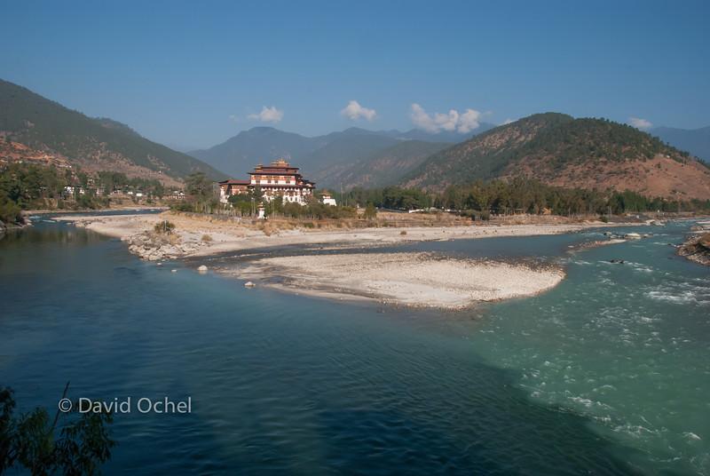 Punakha Dzong at tje confluence of the Po Chu and Mo Chu.
