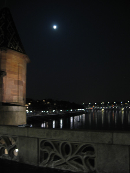 The moon from the Mittlere Rheinbrucke