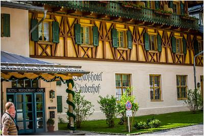 Hotel at entrance of Linderhof