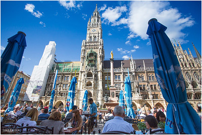 Marienplatz, city hall plaza, is the center of old Munich. It is situated in a pedestrian zone with a plethora of shops, cafes, street vendors and hordes of tourist.