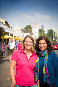Silke & Marki in the Rudesheim market area