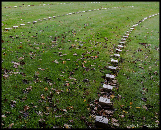 Markers for unidentified Union soldiers<br /> <br /> Gettysburg National Cemetery<br /> Gettysburg, PA