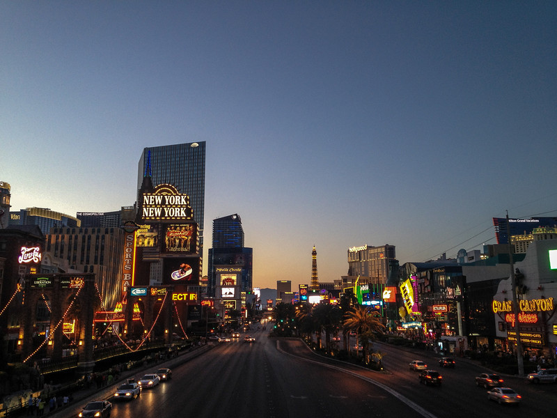 The strip from the walking bridge between the MGM and New York New York