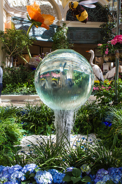 Glass ball fountain at the Bellagio Conservatory