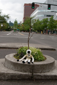 Rally Monkey at the world's smallest park. All 452 in^2 of Mill Ends Park.