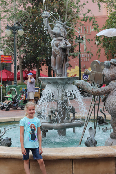 Maggie at the Miss Piggy fountain