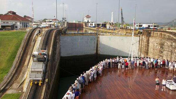 Moving Forward in Gatun Lock