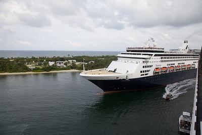 2012 Statendam Cruise Through the Panama Canal