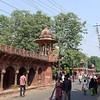 Road leading to the Taj Mahal