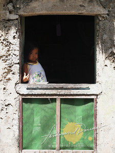 Savidug Girl in the Window