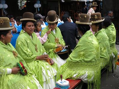 Cholitas, dressed in their best!