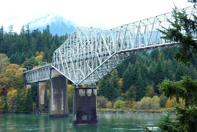 Bridge of the Gods. Columbia River, Washington/Oregon and Skamenia Lodge, WA