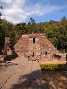 Candi Cetho, Mount Lawu