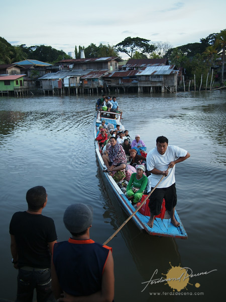 Boat coming in from Matampay River